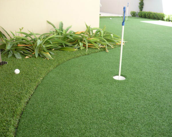 artificial turf putting green in Duncraig